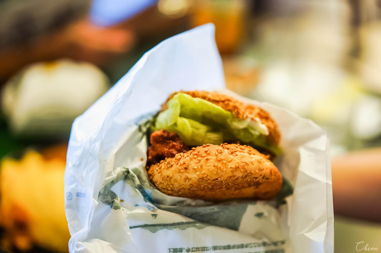 北海道函館必吃美食「幸運小丑漢堡」中華雞腿漢堡