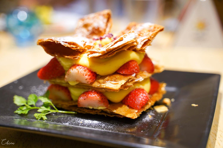 小樽堺町老街「LeTAO PATHOS」午餐後才是重頭戲,吃人氣甜點要趁早!