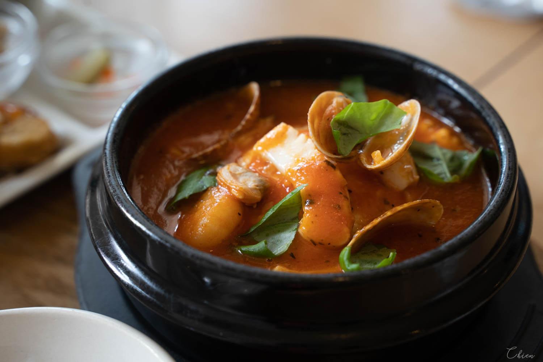 沖繩 海鮮豆腐鍋料理