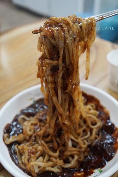【韓國釜山】海雲台市場 手打麵(홍두깨 손칼국수) 餃子,冷麵,炸醬麵